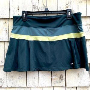 Nike Dri-Fit Tennis Pleated Green Skort